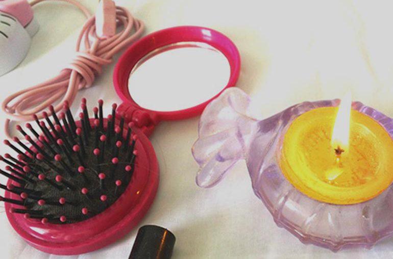 vela amarilla - cepillo rosado