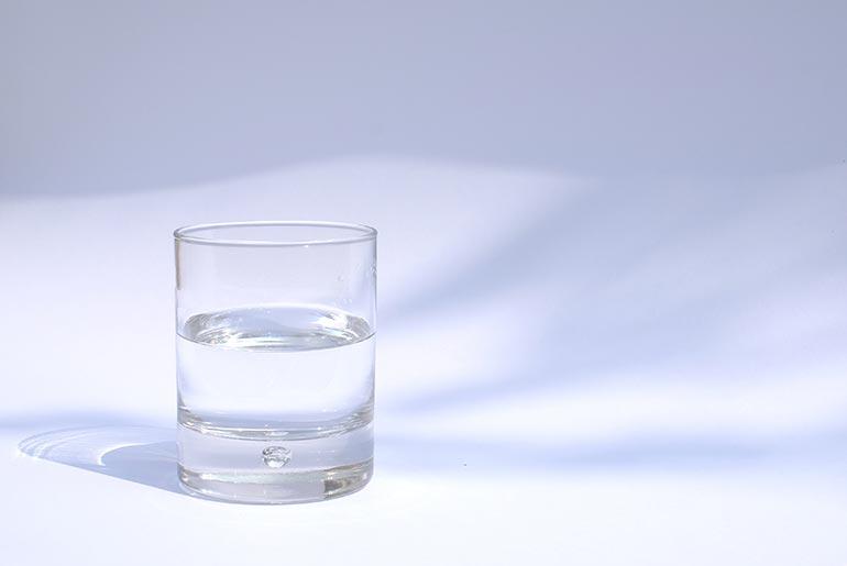 Agua oxigenada y agua caliente